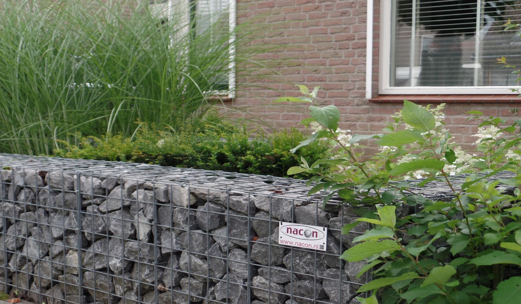 Stadstuin In Zaltbommel : Bijzondere steenkorf in voortuin bij nacon schanskorven